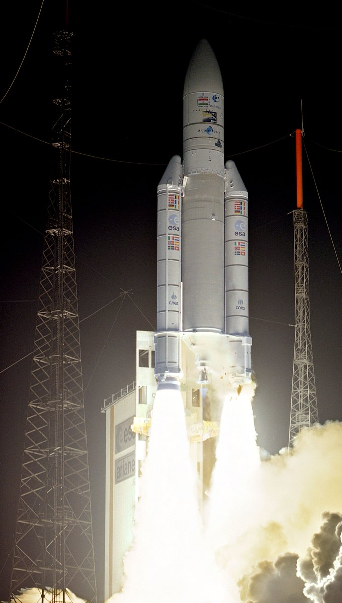#OTD 27 September 2003, launch of #ESA's #SMART-1 spacecraft on #Ariane5 V162 from Kourou, 1st European mission to the #Moon 🌕 @esascience @esa_sts @ArianeGroup @Arianespace @CNES https://t.co/WpGcxAk2F4 https://t.co/rZybT6gMJ7