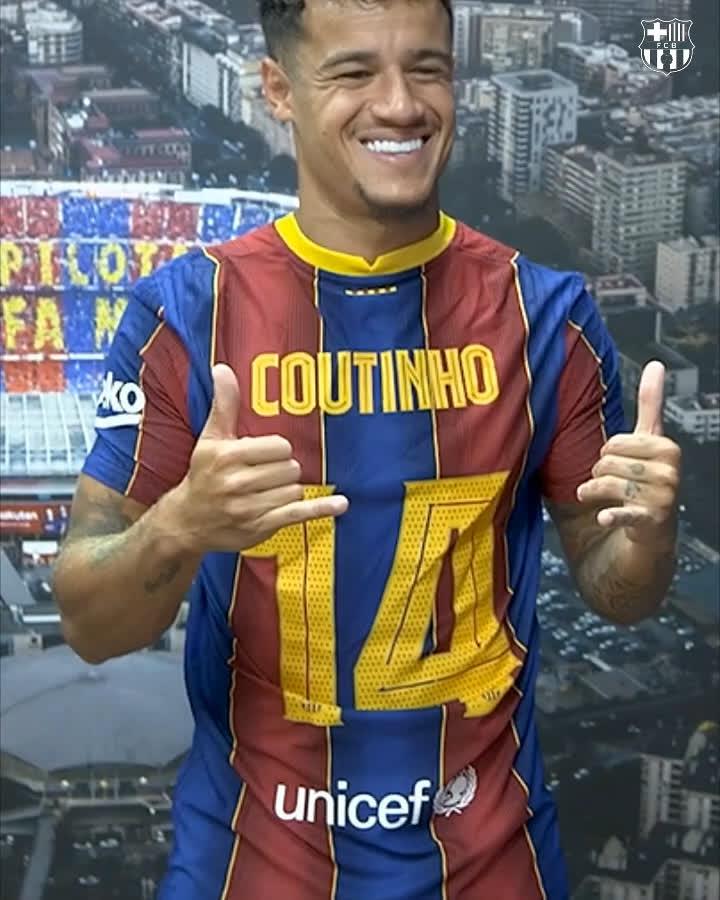 😍 @Phil_Coutinho 🎩  👕 No baru!  1️⃣4️⃣ untuk Barça!   Cocok!    🔵🔴 https://t.co/0qGvLZUU4M