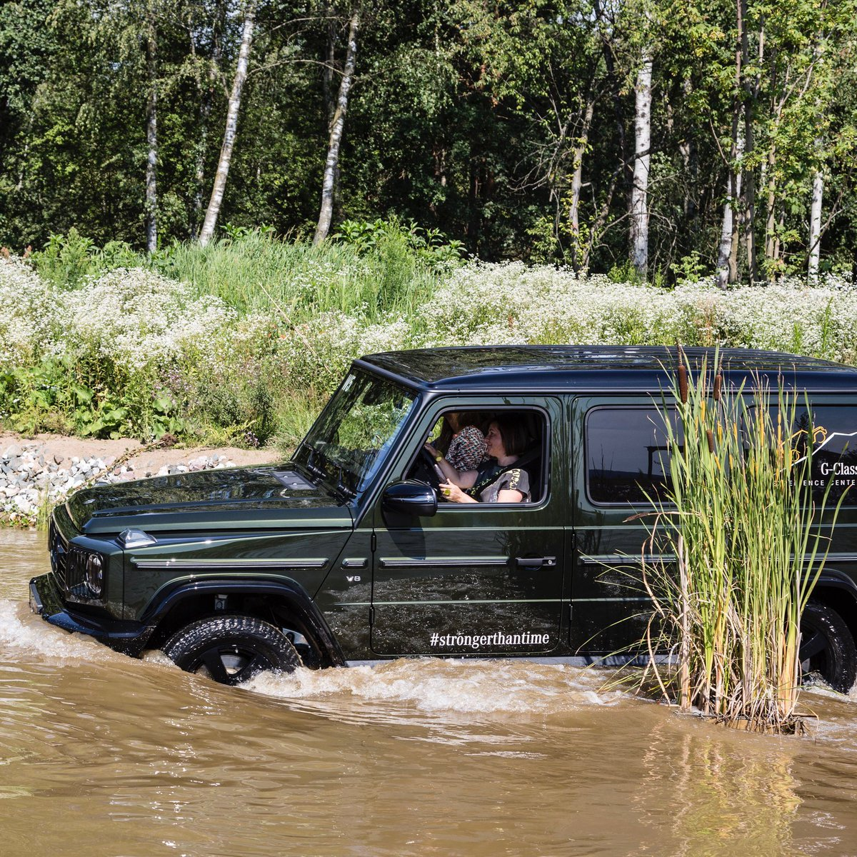 Exclusively for HER – the Women's Day at the G-Class Experience Center.  👉 https://t.co/o8LOeqVMrO  In exclusive, small groups you will get to know the full strengths of the G-Class and its fascinating abilities.  📷 Wolfgang Hummer https://t.co/A0NsugVIL7