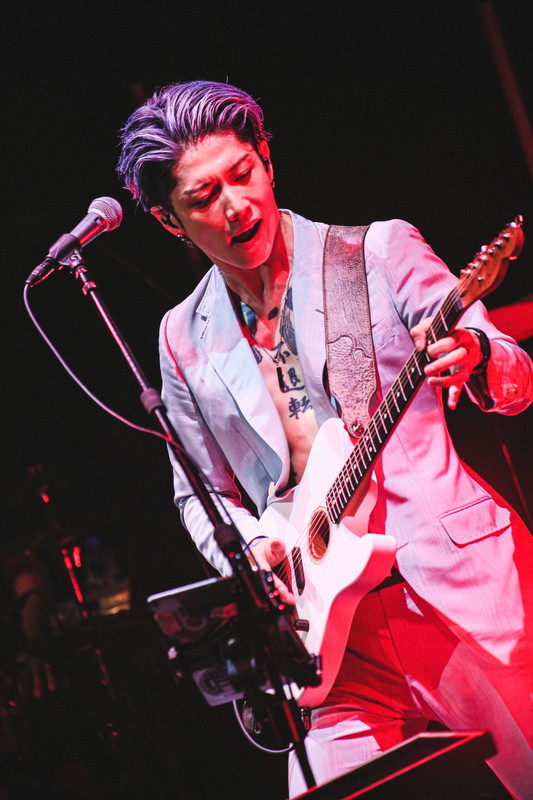 [Live Report] #MIYAVI Acoustic at Billboard LIVE 2020  Photo by Yuma Totsuka  https://t.co/3Gs37kCsPT https://t.co/cIoLnzmhpy