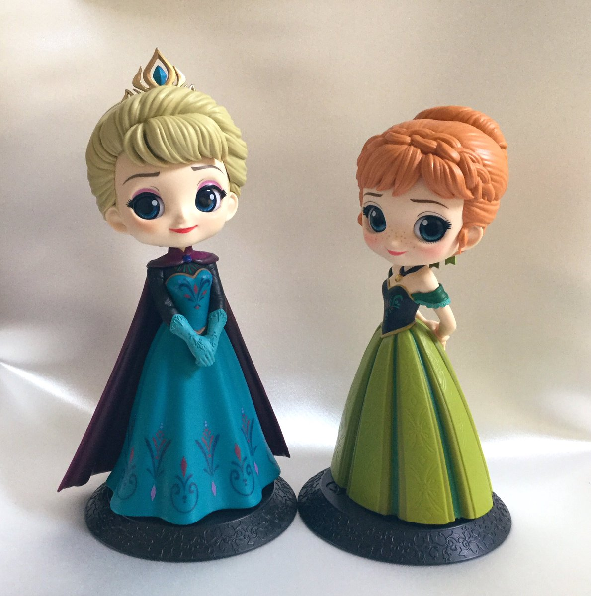 Qposket Disney Characters - Elsa & Anna Coronation Style -です❄️やっと一緒に飾る事が出来ました☺️💓  #Qposket #Disney #Frozen #Elsa #Anna #アナと雪の女王 #エルサ #アナ #戴冠式 https://t.co/OS1ta5CsPR