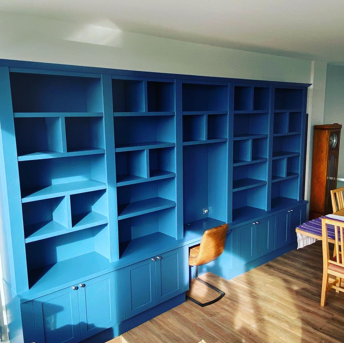 Bookcase and pc desk, just needs filling with books and the LEDs turning on ! #bookcase #joinery #york https://t.co/GV7IIx8u36