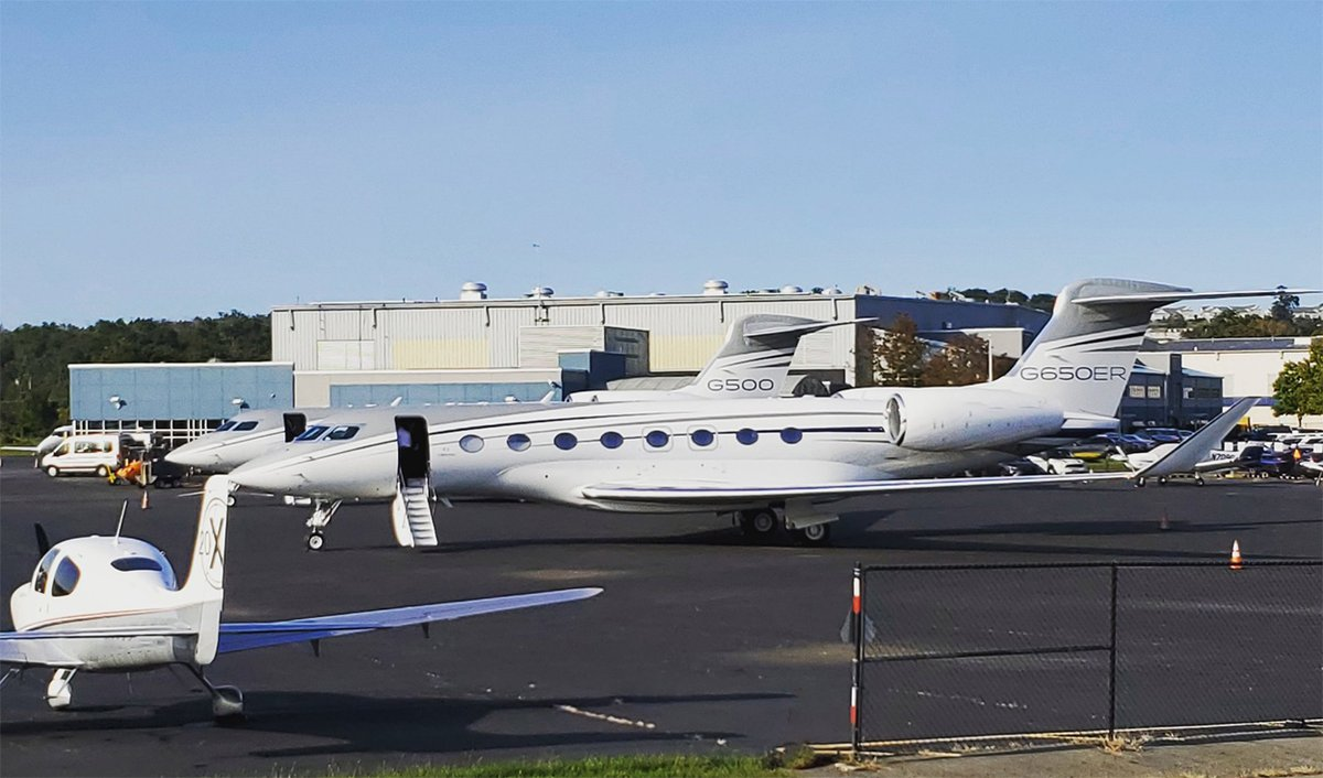 Take time today to learn about flying with MMU or flying at MMU by visiting https://t.co/06KyD0bDdW.  There are private jet charter operators and flight training facilities available to all for whatever your flying needs may be!  #aviation #jetcharter #flightschool #flymmu https://t.co/Ltf3pK51Q2