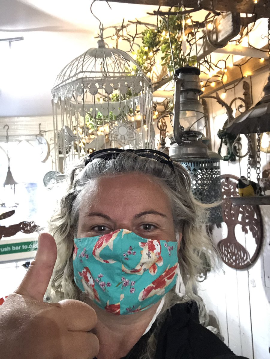 Shopping in a Covid-safe way in Newport Pagnell High Street... at the gorgeous No 38 Vintage Emporium  Always pleased to support local businesses.  #ShopLocalMK @mkcouncil @mkfm https://t.co/bEMENxM4AW