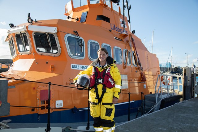 Huge congratulations to Denise Lynch, who has become our first female volunteer lifeboat coxswain in Ireland 👏 Denise has served at Fenit RNLI since 2001, having fallen in love with lifeboats on a visit to the station as a primary school pupil. https://t.co/6IsAqIFXex