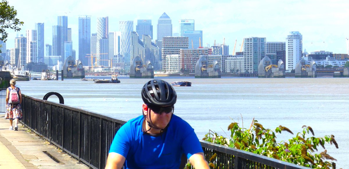 #TheUpside: even Covidian mask-wearing has not ruined the car-free(ish) walks around our great city. And what super views you can get from South London, by the river — and from the wooded hills https://t.co/N81E0dhQud