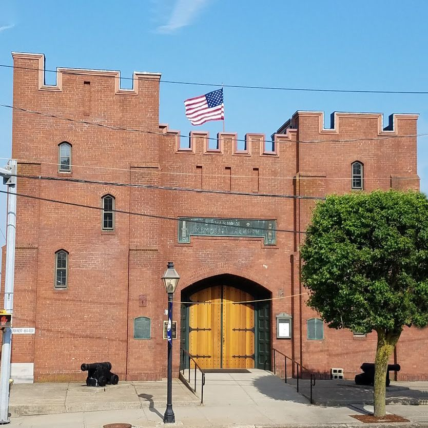 One of the best ways to learn about our #militaryhistory is to see it in #museums. On the @bruneauandco #blog, @JoelBohy writes about one of the best examples of these institutions , the @jamesvarnum #Memorial #Armory in #EastGreenwich, #RI. Read it at https://t.co/TYkKmi2qk0! https://t.co/x4NwWn97Py