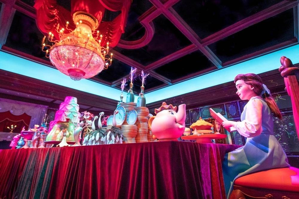 東京ディズニーランドの新エリア、内部の様子を一足早く公開 - 『美女と野獣』大型アトラクションも -