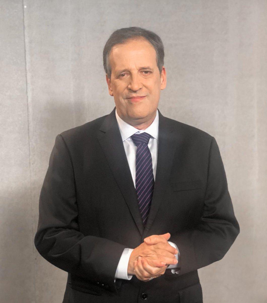 Sob o comando de Sérgio Gabriel, o Jornal da Noite traz as principais notícias do Brasil e do mundo, de segunda a sexta-feira, à 00h30, na tela da Band TV @bandjornalismo #notícias #jornal #UmNovoOlhar #GrupoBandeirantes  #madrugada #jornalismo #meianoite #madruga https://t.co/E7m9pvjREk