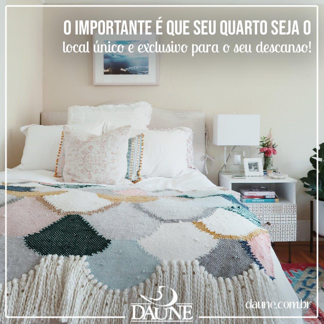 Preserve o seu quarto como o ambiente para o seu descanso, e evite levar para ele coisas que sobrecarregam a sua mente e o impeça de ter uma noite completa de sono.  Daune, o seu sono necessita de cuidados! 👉 https://t.co/wa2VozyhIv #dicasdadaune #dormirmelhor #daune #ficaemcasa https://t.co/mykurFhEb1