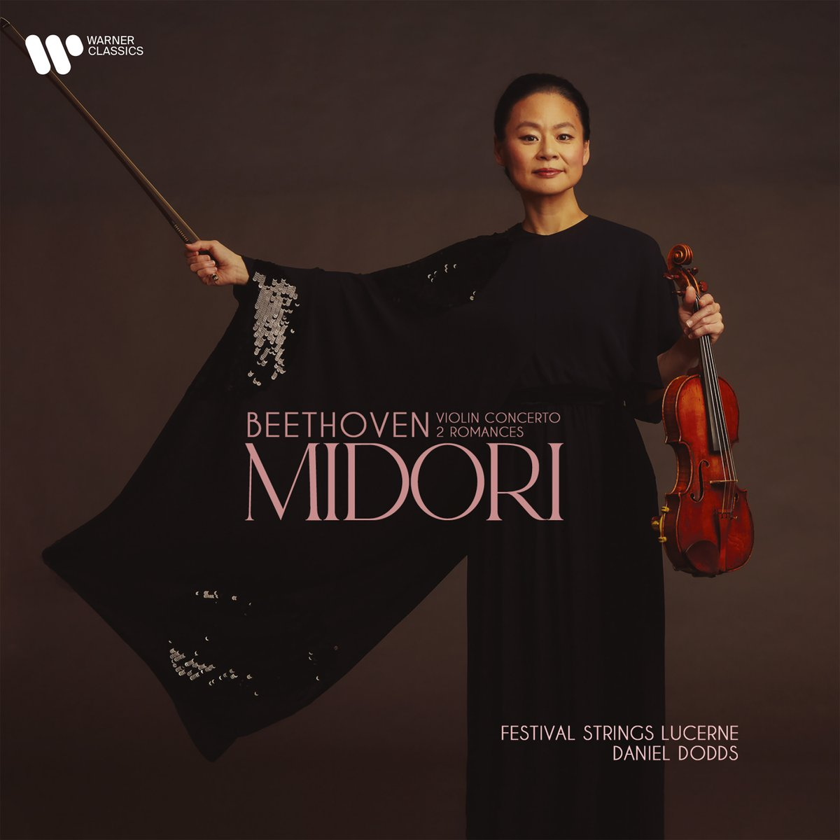 """""""Beethoven's determination still provides a model for humankind,"""" says violinist Midori. She has recorded his Violin Concerto and two Romances for her next album, with the Lucerne Festival Strings. Listen to a new single: https://t.co/qF4pdCKWVX  #Beethoven2020 https://t.co/EVfQLeRJke"""