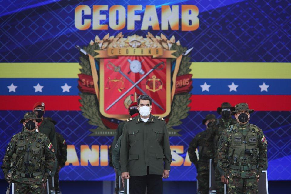 📌 #Ahora || Con el objetivo de presidir acto del  XV Aniversario del Comando Estratégico Operacional de la #FANB, Comandante en Jefe de la Fuerza Armada Nacional Bolivariana, @NicolasMaduro, arriba a la sede del MPP. Defensa. #VenezuelaGarantíaDeDDHH #PrensaFANB #Venezuela https://t.co/qlSgAVnbQV