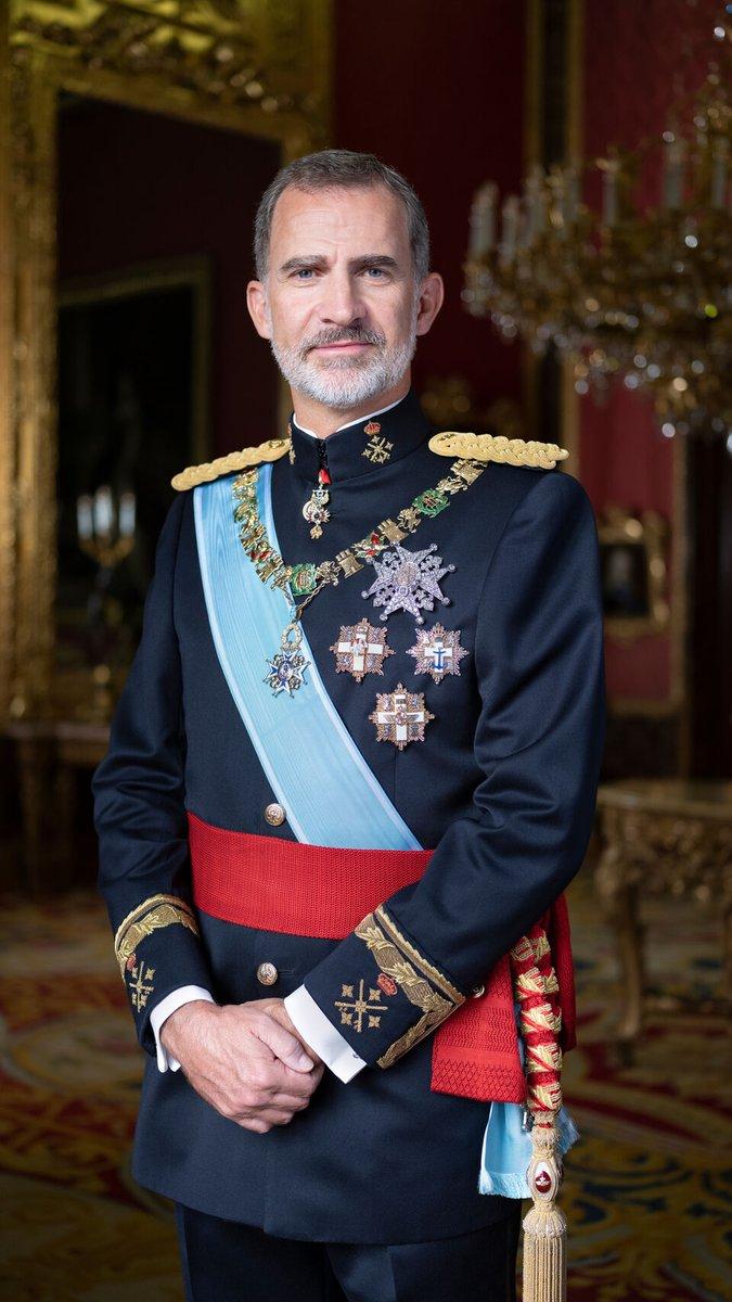 Crecí en una república. Por eso soy monárquico #VivaElRey https://t.co/rBSynhUHQ8