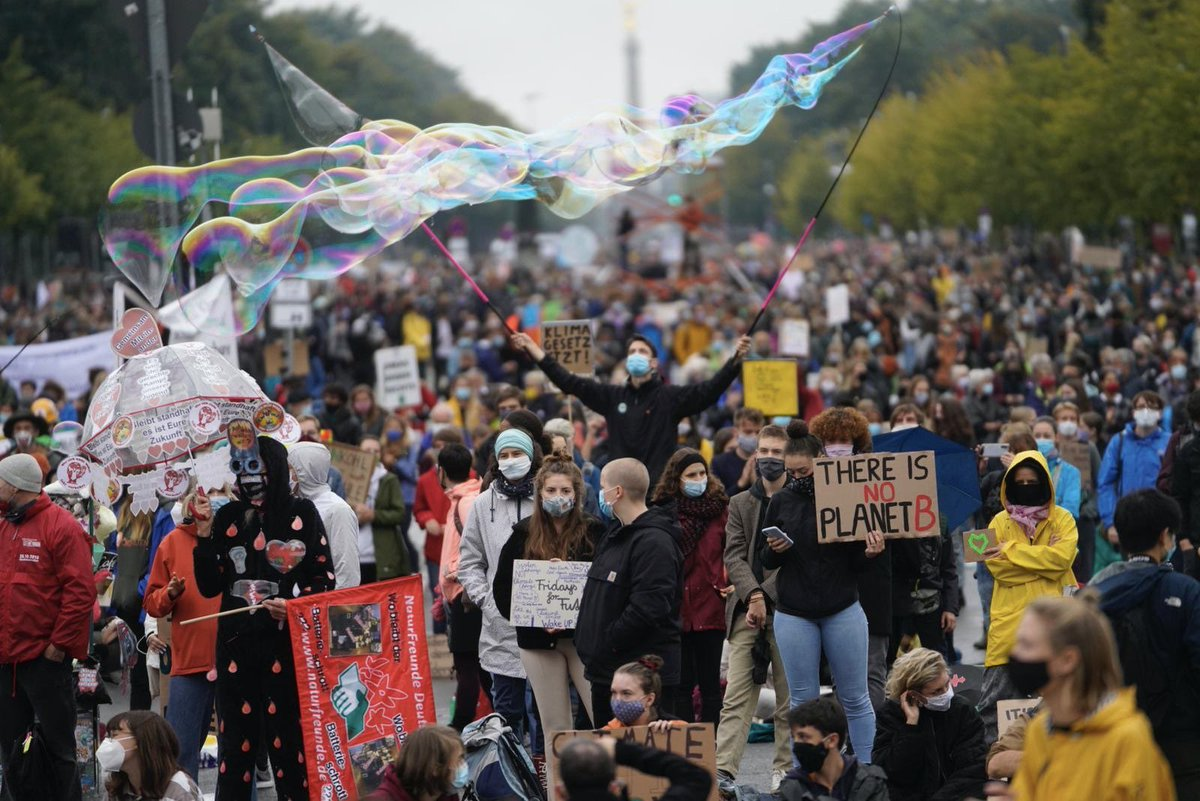 What a huge success! With masks and socially distant, hundreds of thousands returned to the streets, demanding climate action, in over 3200 places on all continents, including Antarctica! The fight for a future doesn't end here. This is just the beginning.  #fridaysforfuture https://t.co/vVanewJ8mF