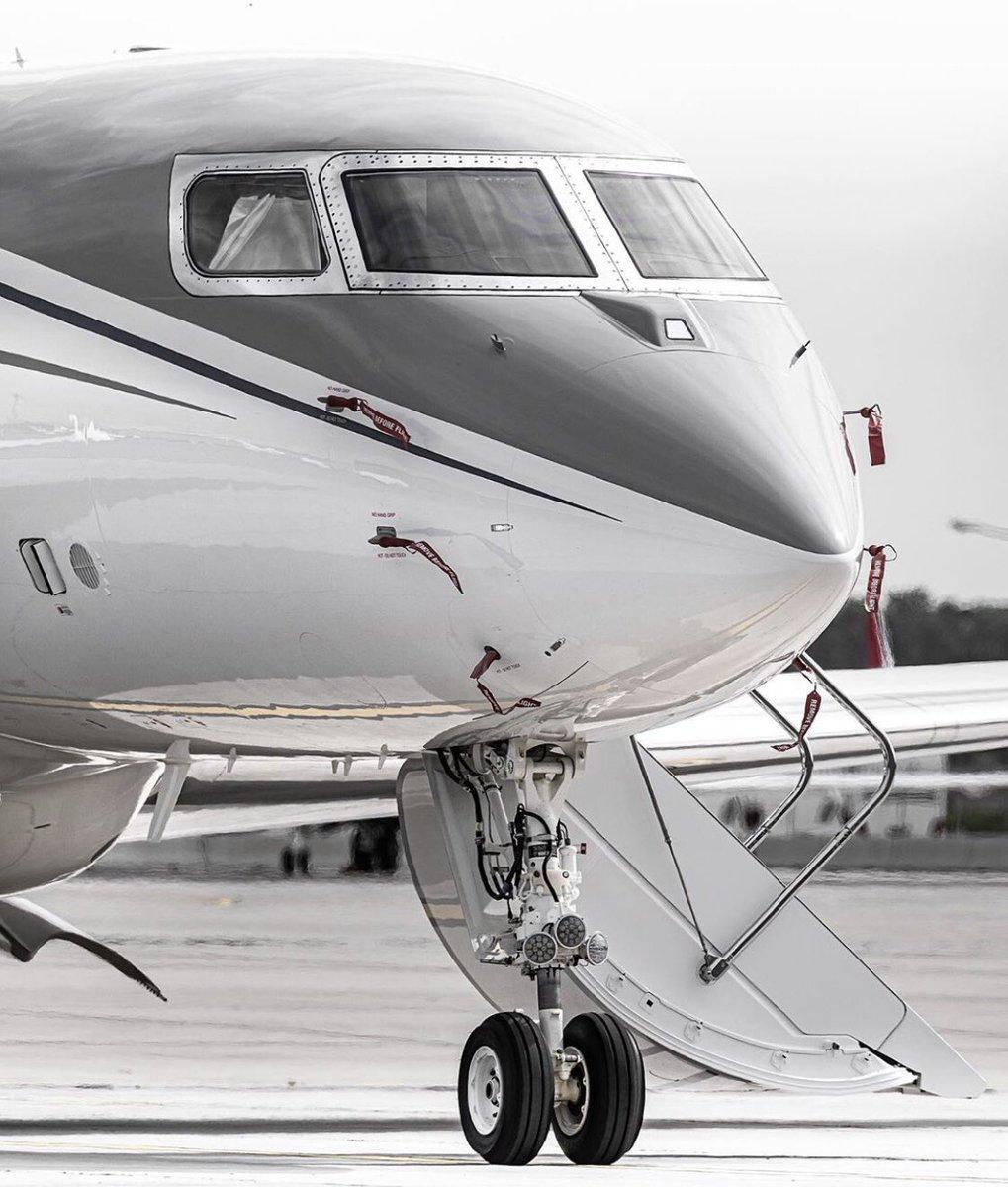 #BusinessJets @bigbird.aviation® iconic look of #Gulfstream #G650 . #instagramaviation #megaplane #BusinessAviation #FlyPrivate #PrivateJet  #CharterJet #BizJet #Flight #Luxury  #Travel #EmptyLeg #BusinessJet #CorporateJet #Aviation https://t.co/CrcOStJVye
