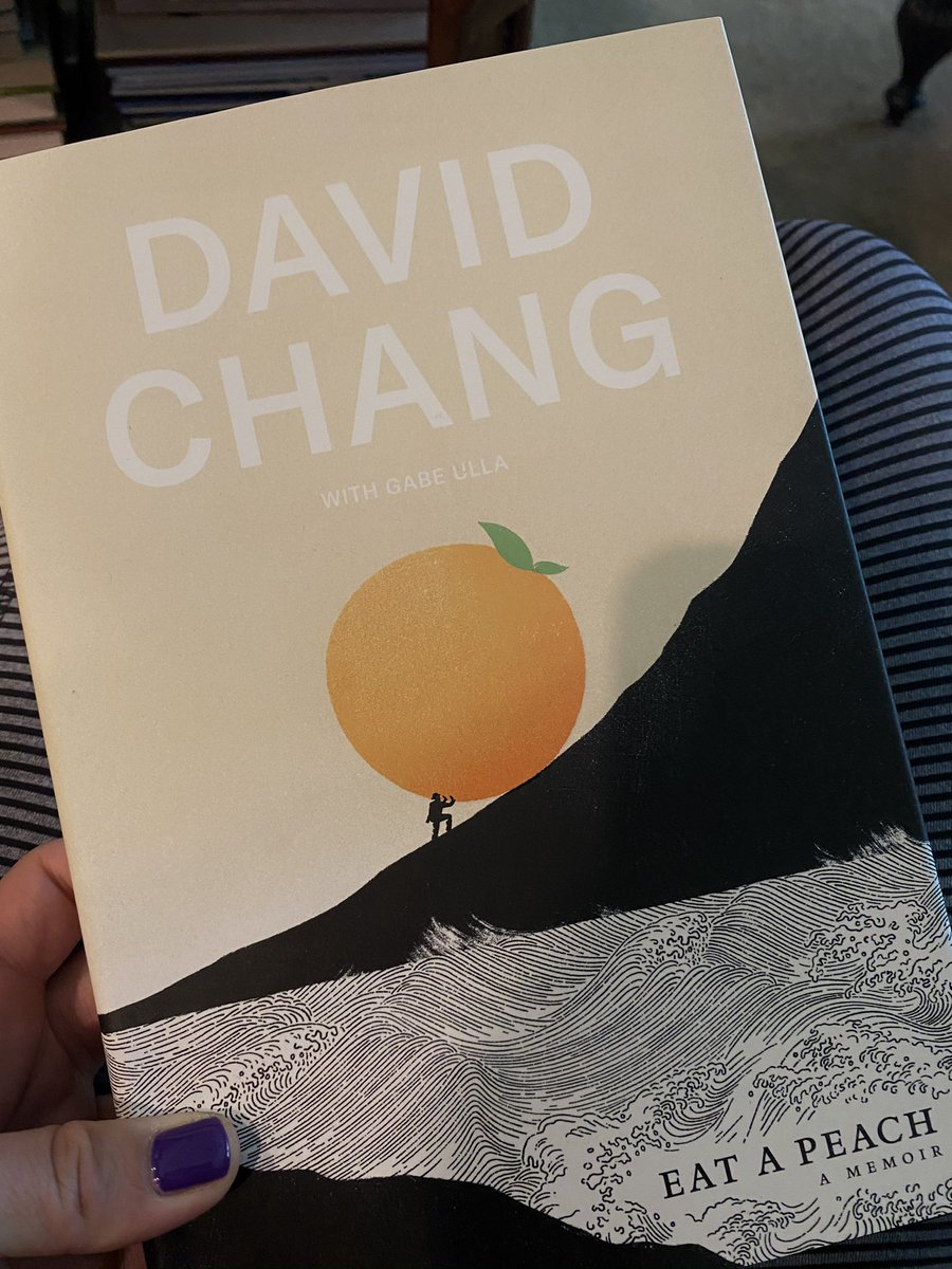 Is @davidchang still in Las Vegas and if so, how would one go about getting her copy of Eat A Peach autographed? https://t.co/yKUAfaDqZF