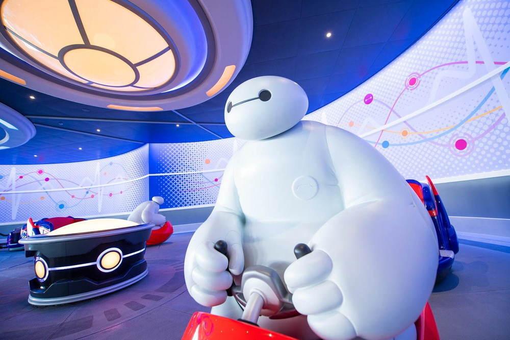 東京ディズニーランドの新アトラクション「ベイマックスのハッピーライド」一足先に内部を公開 -