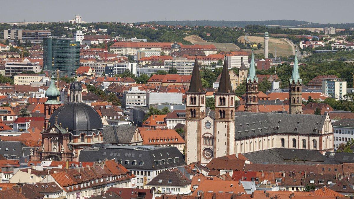 Corona: Inzidenzwert in Würzburg sinkt unter Warnwert https://t.co/44Vcih3ZER #franken https://t.co/sAN69xpzyB