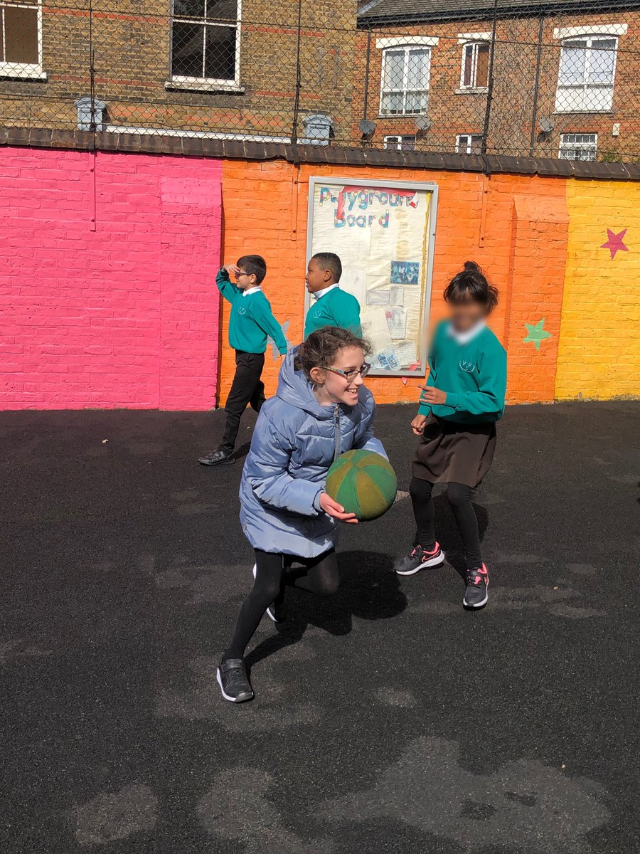 Such wonderful games and conversations during Year 5's lunchtime today. They are putting all of their 'Friendship' skills that they learnt last week into good practise. #fun #KS2 #active https://t.co/X10v412dJ3
