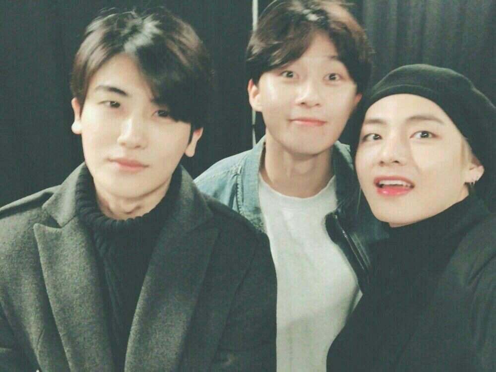 When my military service ends, Hyungsik said, the first person I want to see is Taehyung and SeoJoon ♥️  #100dayswithHyungSik https://t.co/RikeS2JQCf