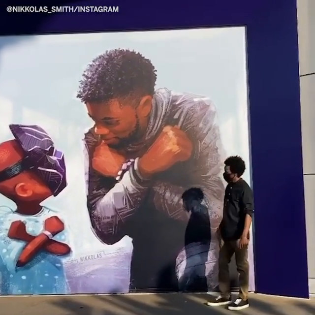 Disneyland unveiled a Black Panther mural for Chadwick Boseman and it's amazing ❤️   (via @4NIKKOLAS) https://t.co/YJodp84b4c