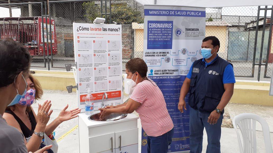Moradores de #ProletarioSinTierra reciben información sobre #LavadoDeManos, #AlimentaciónSaludable y #TuSaludTuDerecho. https://t.co/7BlDUTMn6q