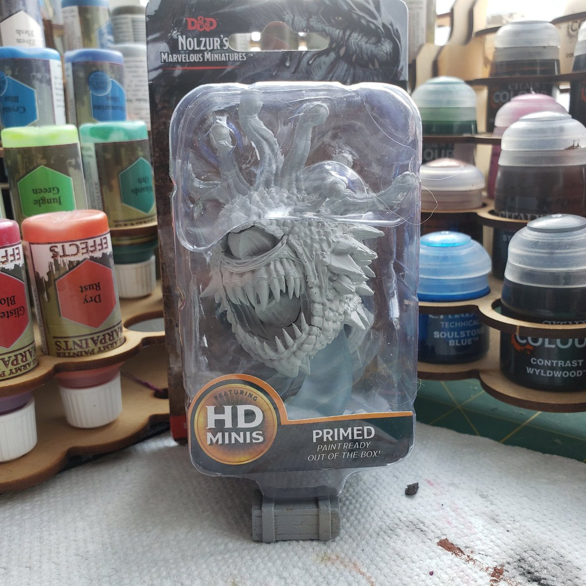 I managed to get hold of a beholder mini, so it's time for a sub drive on https://t.co/V4uvxqAAbw!   The goal is 25 subs (I want emote slots). Once hit, I'll paint The Rainbowholder for a winner!  (Draw via discord for transparency)   #minipainting #miniatures #ttrpg #beholder https://t.co/FI8vtcREyt