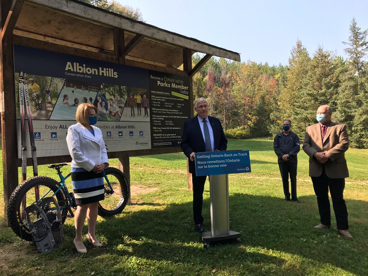 Great to be in Dufferin-Caledon with Minister @SylviaJonesMPP to announce Ontario government funding through the Rural Economic Development program which will help diversify the local economy and support future tourism activities for the area. #RuralON