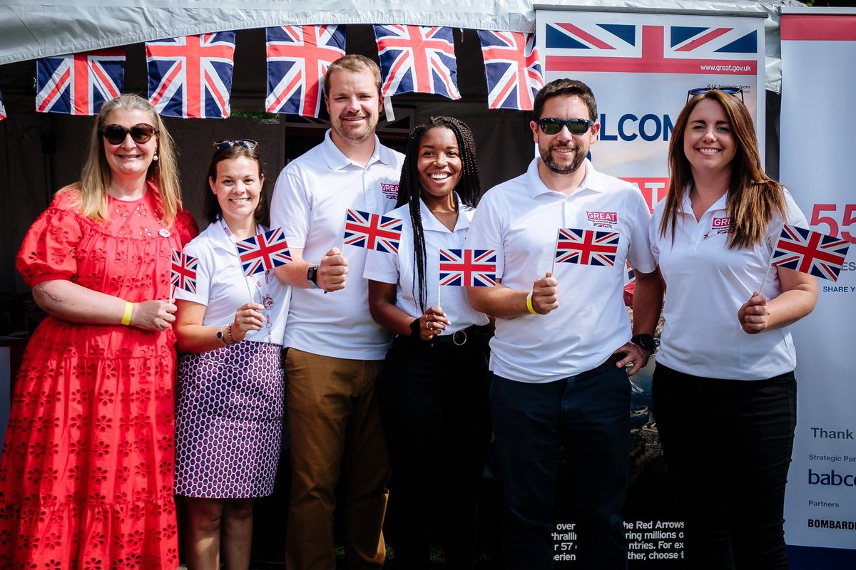 Revisiting lots of fantastic memories today, but ultimately so proud to have been part of the brilliant @UKinCanada team that came together to pull this off after many months of hard work!    #GoTeam🇬🇧🇨🇦 https://t.co/wjnnvQHPX0 https://t.co/5Wo8YNpNOh