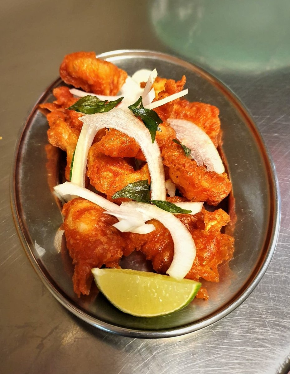 King Prawn Pakoras - a royal snack at the India Club 👑  #prawnpower #indiaclub #restaurant #food #foodie #dinner #delicious #yummy #foodlover #foodphotography #chef #foodblogger #tasty #travel #eat #foodgasm https://t.co/rGGKfNBh0h