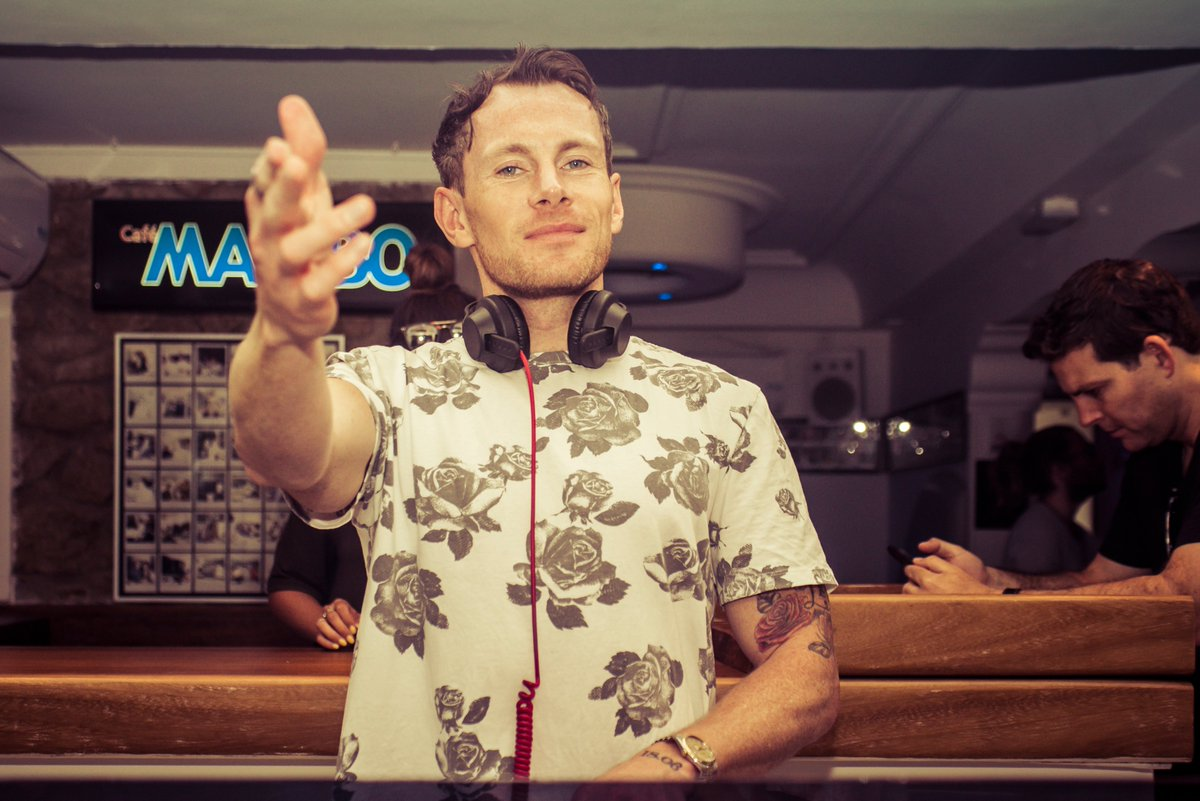 Getting you in the weekend mood tonight, @DJDannyO  joins us for an exclusive live broadcast from the Mambo booth on @cafemamboradio from 20:00 CET / 8PM UK. 👉https://t.co/mUbbE7Kce2 to tune in📻🎶🙌 https://t.co/KhPdVXwP76