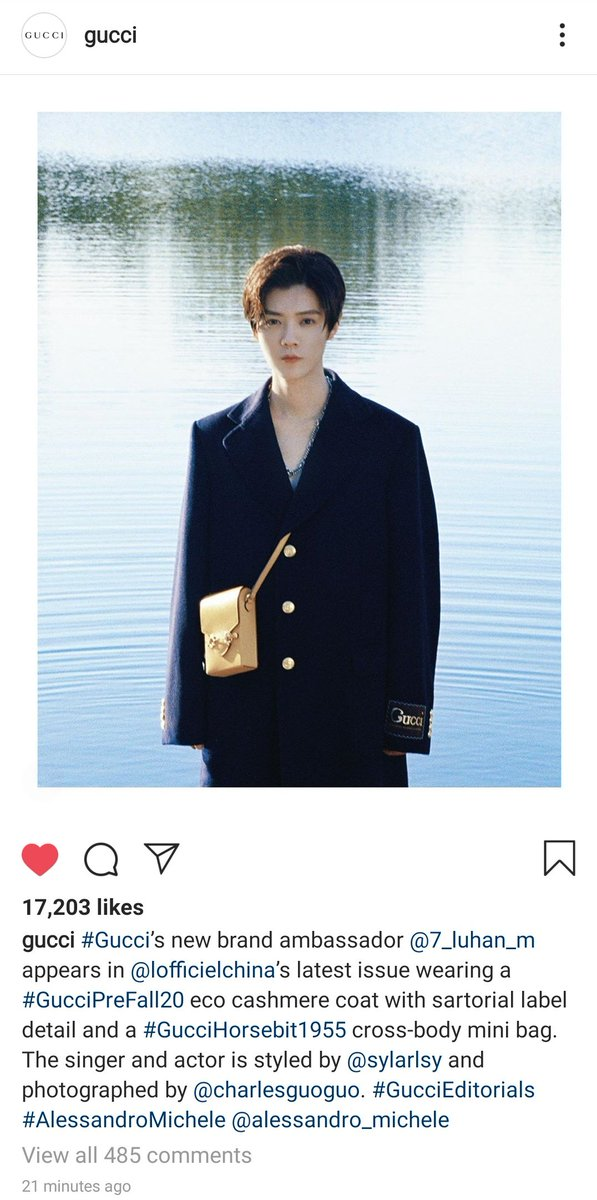 [PICTURE] 200926 Gucci's instagram updates: #Gucci's new brand ambassador #LuHan appears in L'officiel China's latest issue wearing a #GucciPreFall20 eco cashmere coat with sartorial label detail and a #GucciHorsebit1955 cross-body mini bag.  Link: https://t.co/6GFJ0Ddn4d  #鹿晗 https://t.co/UNIwniajeZ