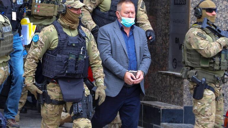 Οι ειδικές δυνάμεις της διεθνούς αστυνομίας στο Κόσοβο (EULEX), εισέβαλαν σήμερα στα γραφεία των βετεράνων του UCK στην Πρίστινα και συνέλαβαν του πρόεδρο... συλλήψεις Κόσοβο εγκλήματα πολέμου ΔΙΑΒΑΣΤΕ ΕΔΩ >> https://t.co/nuGxncaMNO https://t.co/1267Cgan8I