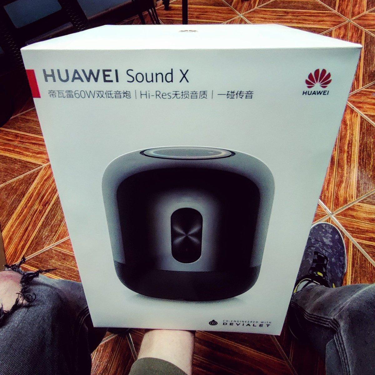 ¡¿60W en este tamaño?! Damn @HuaweiMobileCL #huawei #soundx #speaker #altavoz #parlante #music #nfc #bluetooth #pretty #tech #tecnologia #latinoamerica #chile #santiago https://t.co/WYoKUYs16A