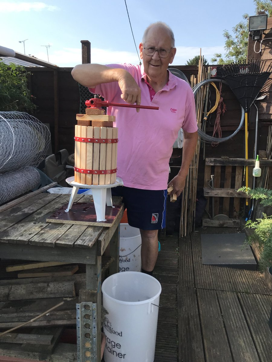 Pressing the apples for this winters cider I can't wait cheers https://t.co/c95x1cb7wb