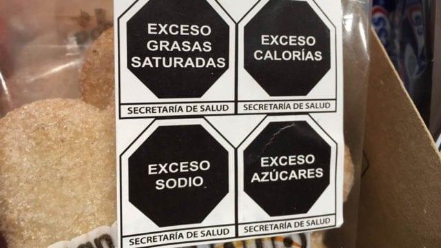"""OMS premia #SecretaríadeSalud por nuevo etiquetado con sellos para alimentos  """"#México tendrá uno de los etiquetados frontales de advertencia más modernos que existen en el mundo"""", sostuvo la #OMS.  https://t.co/hy95XjVPQW https://t.co/PEg35ENyVW"""