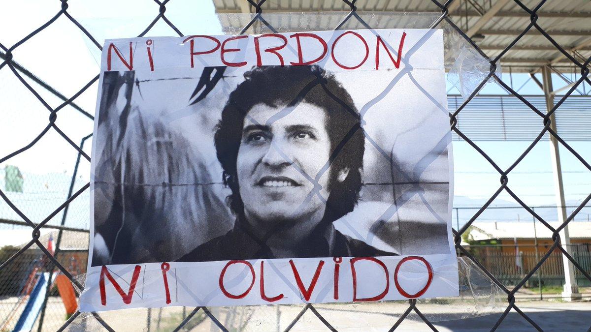 #Chile En las calles de #Santiago la buena Memoria No Olvida y el reclamo sigue vigente: Verdad y Justicia  de los crímenes de ayer y de hoy https://t.co/mP0pJBSNpb
