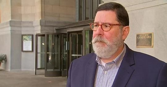 Pittsburgh Mayor Peduto blames lack of leadership for small businesses closing https://t.co/Jhk2o7GrDw https://t.co/MRKZxgADcH