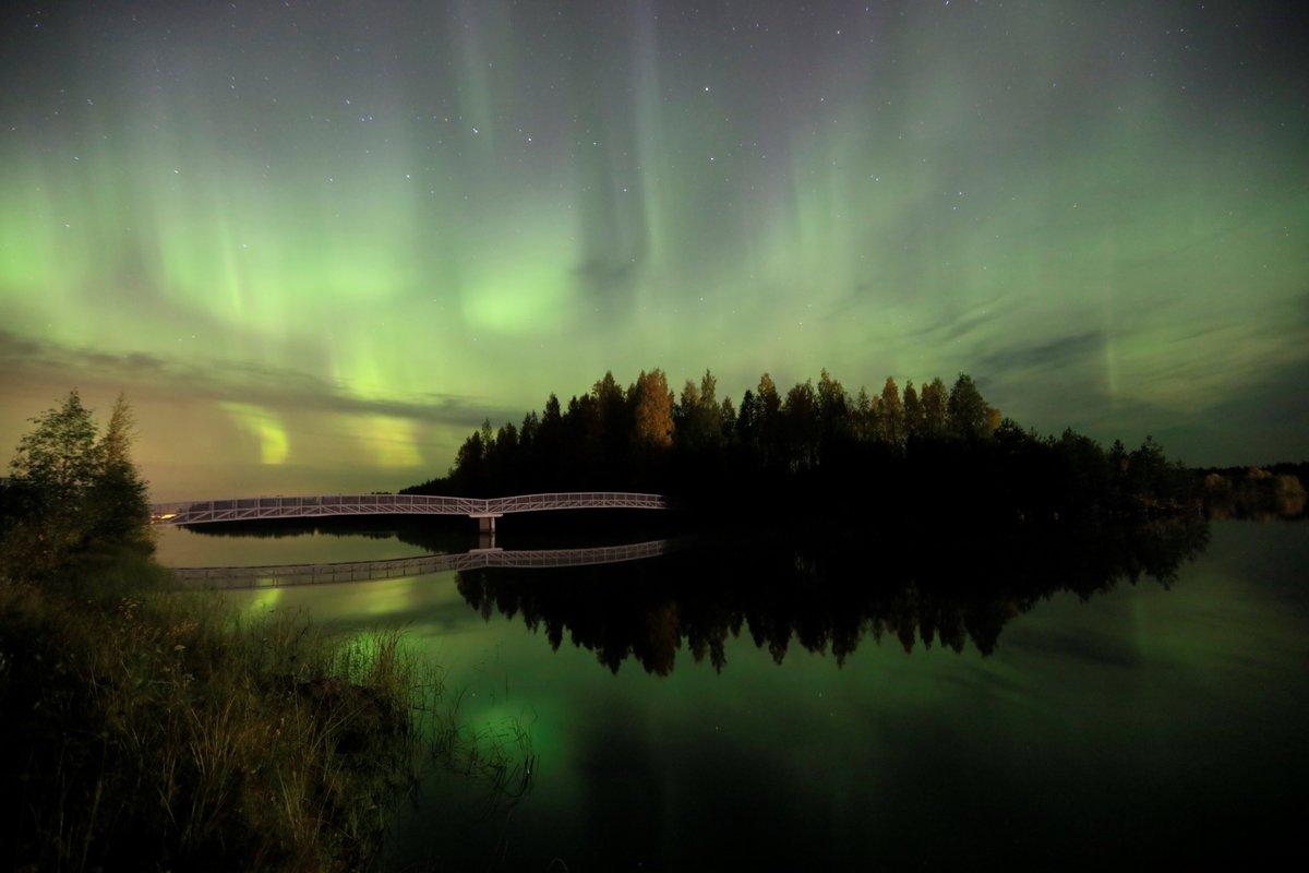 Puolenyön aikoihin  .. Oulujoki Vaala 25.9 2020. https://t.co/TD7373hKUy