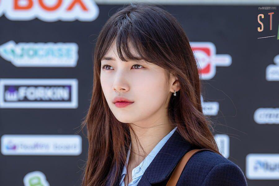 """""""I was attracted by the subject of startups, since it's fresh and new. I was very moved by the story about young people who are a bit clumsy, and rather than putting the focus on the pressure for success, + — #BaeSuzy on why she chose #StartUp   ©️SOOMPI #스타트업 #배수지 https://t.co/PCWdKpuIfu"""