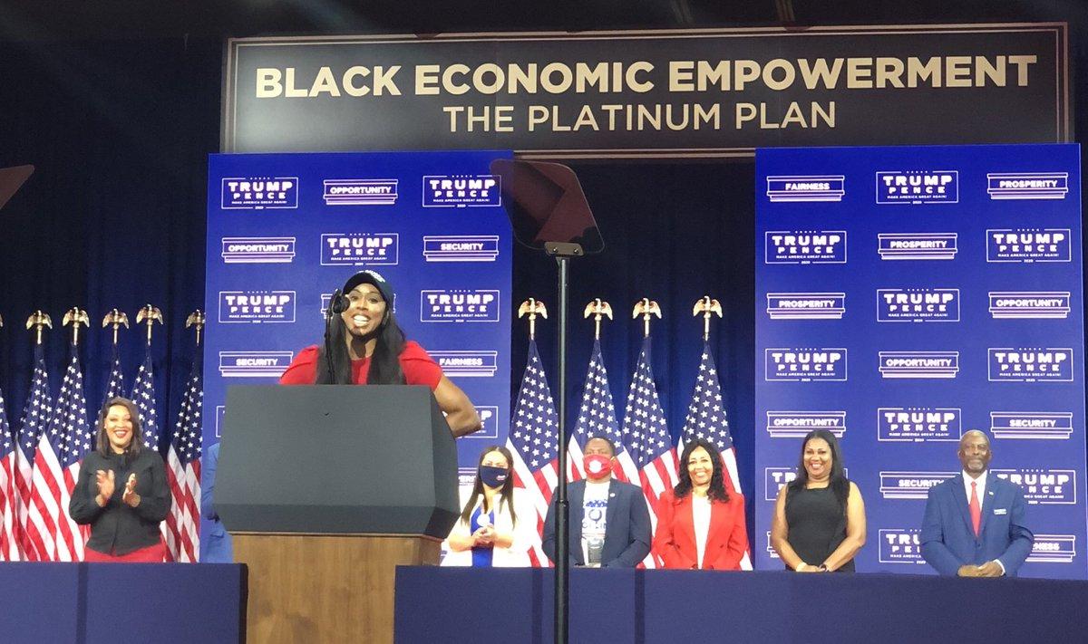 @kimKBaltimore speaking! Atlanta! @realDonaldTrump Black Economic Empowerment Event! @BlackVoices4DJT #BlackVoicesforTrump #Fierce 👠🇺🇸 https://t.co/v28GKnZHRp