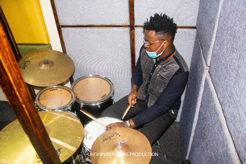 Kwa hii life usiwahii give up pambana utafika, #D'Drummer  #MusicfromAfrika #Africanculture  #Africanmusic https://t.co/B1Kzo4mb19