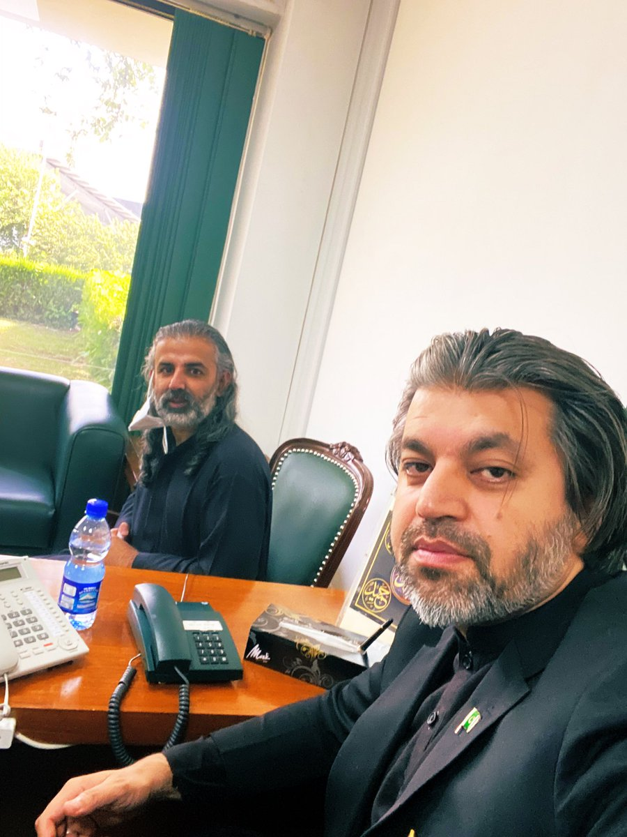 Parliament House  24th Sep 2020  Our Ally & friend Nawab Shahzain Bugti very graciously Paid visit to my office.  A thorough gentleman & staunch Pakistani 🇵🇰 with great ideas to develop Baluchistan & strengthen Pakistan. Assured him of full cooperation from the Gov side InshALLAH https://t.co/jTgTj5yscu
