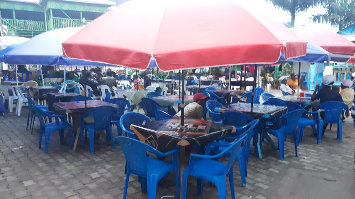 The increase in #LakeVictoria waters which flooded Mulungu landing site displacing several fish dealers has triggered development in the area. They have now opened a new clean market complete with bars just a few metres away @ugandarn @ntvuganda @LubulwaHenry https://t.co/ZR22Tcd5Tj