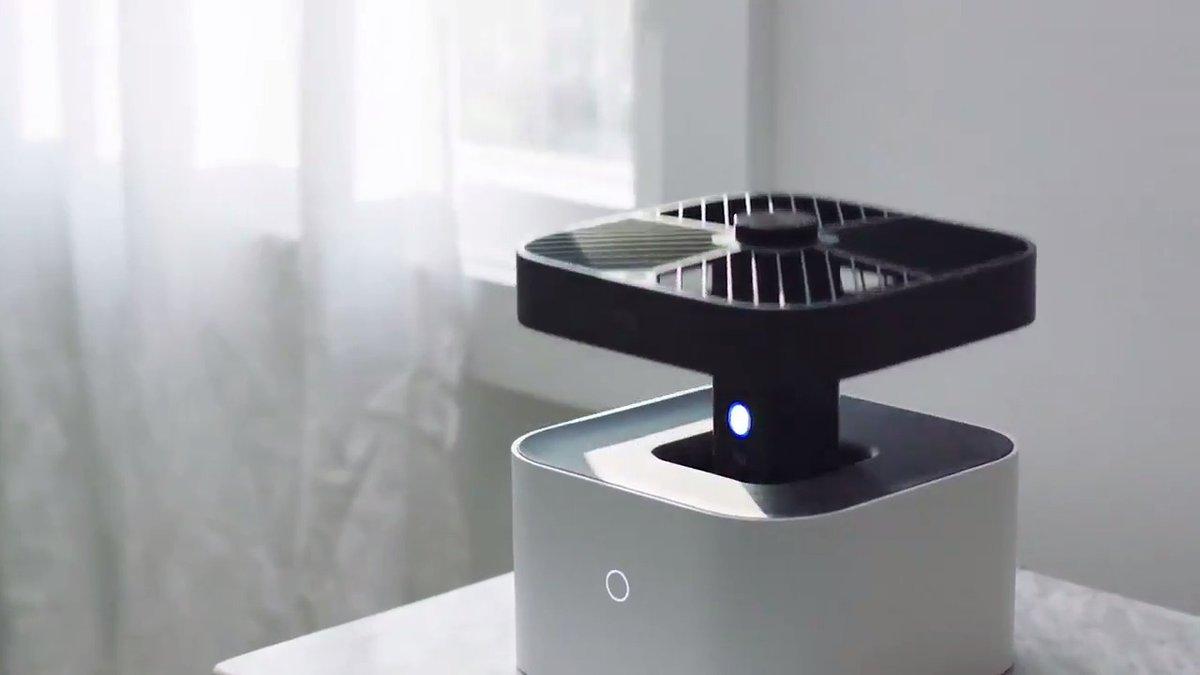Amazonがホームドローン「Ring」を発表。窓の閉め忘れが気になる時など、家の中をパトロールする。また誰が家の中に侵入してきた時はアラートを鳴らしながら侵入者を威嚇・撮影しスマホに通知する。ベースステーションでは自動的に充電する。