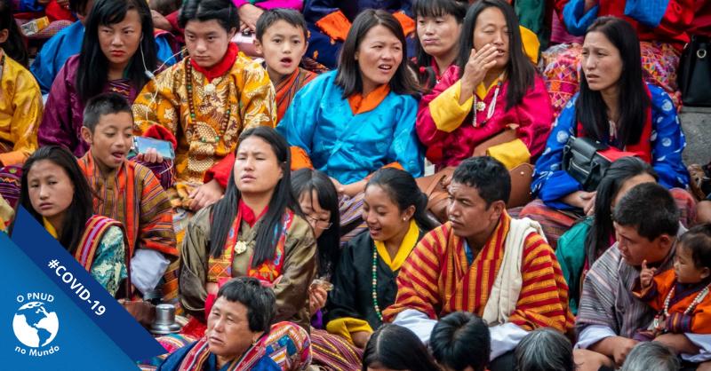 O mundo todo enfrenta a #COVID19, mas seus impactos são desiguais. Saiba como o #PNUD no Butão está ajudando as mulheres vulneráveis do país a superarem os impactos socioeconômicos da pandemia (em inglês):  https://t.co/yVsKmbgmaX. #PNUDnoMundo https://t.co/hWUyNKRgic