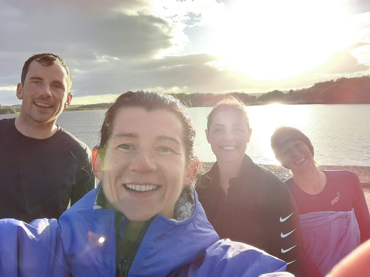 A Friday night swim in Loch Ore and then a few miles on frozen feet has topped off another busy and tiring week.  So, so cold in the water today, but I'm pretty sure it's meant to be good for you...? 🥶😂  Also, 6 weeks of uni in the bag... Where is time going?! #pgde #swimrun https://t.co/lpAtSeBVEv