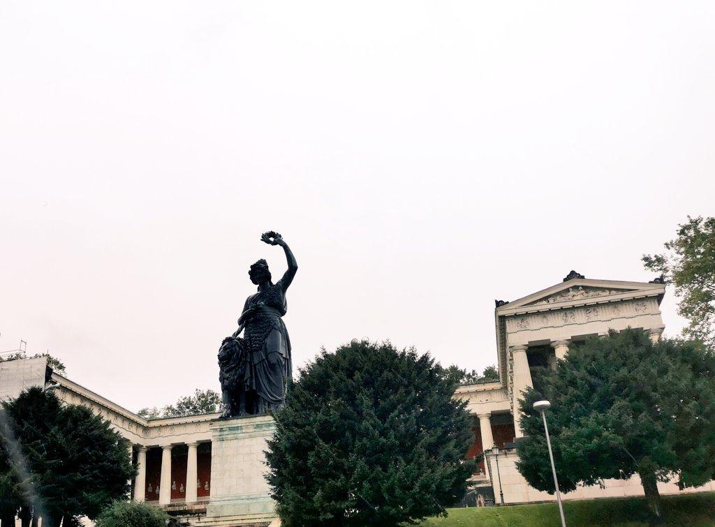 Her majesty, the #Bavaria, is watching over #Munich #koawiesn #rain #september #Autumn2020 https://t.co/E1ZQ58KBxa