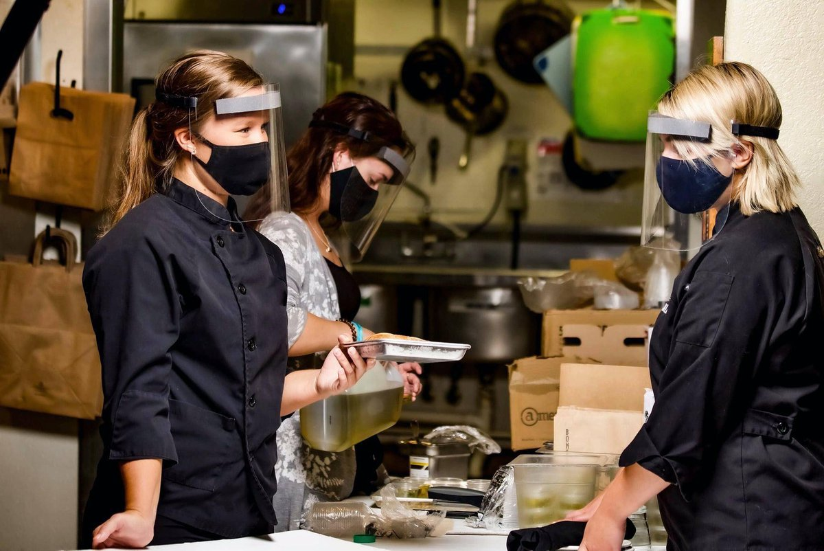 Made in the USA from recycled PETE, we produce face shields that are reusable, adjustable, and recyclable. #sustainability #recyclable #safety #sustainable #faceshield #staysafe #coronavirus #foodandbeverageindustry #restaurant #indoordining https://t.co/g04Br5tHP3