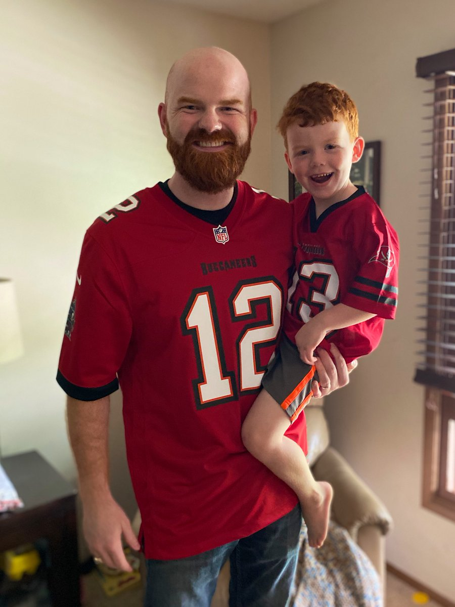 """@Buccaneers William struggled choosing between a """"Big Mike"""" and """"Gronk Smash"""" jersey.  My choice was easy... #TB12  #Brady2Evans #TouchdownTampaBay @MikeEvans13_ @RobGronkowski @TomBrady @TB12sports @Buccaneers https://t.co/2FwvCGyp33"""